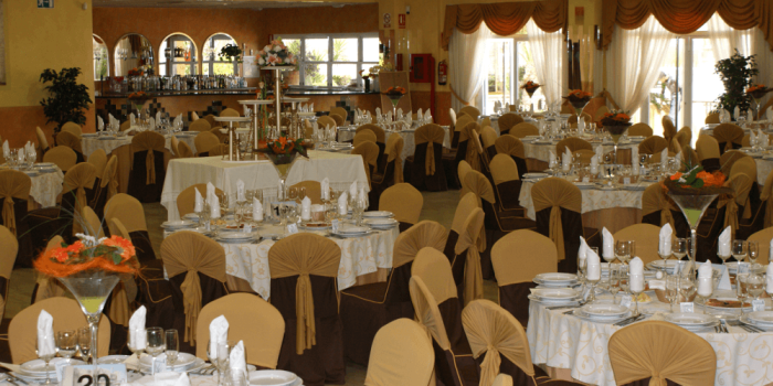 Cocina y Salones